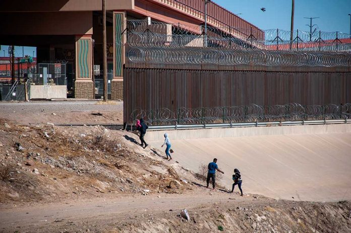 Senators Threatened at Border By Cartels