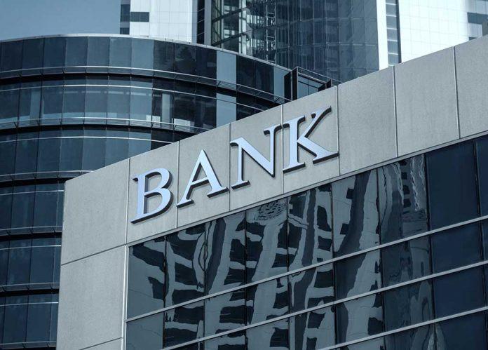Republicans Question Big Banks Over Politicization