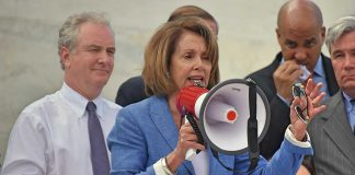 GOP Lawmakers Slam Pelosi's Decision to Keep Congress Home
